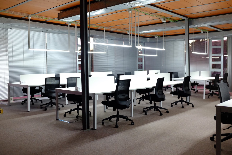 coworking-kolm-murcia-pantallas-melamina-ofitres